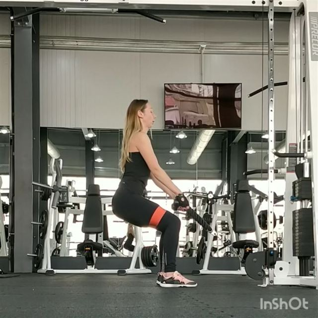 "✅ Unusual Super-Exercise ""Squat & Walk"" for hamstrings, quadriceps and... (My V Club)"