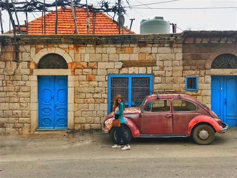 Old houses are the best 🏠🚗 (Bsharri, Lebanon)