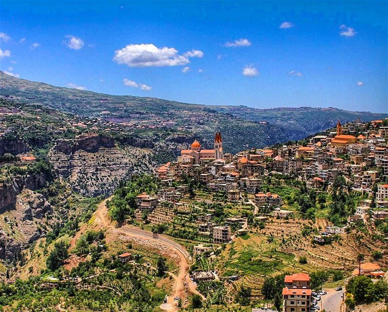 The beautiful town of Bcharre  lebanese  villages  kings_villages ... (Bsharri, Lebanon)