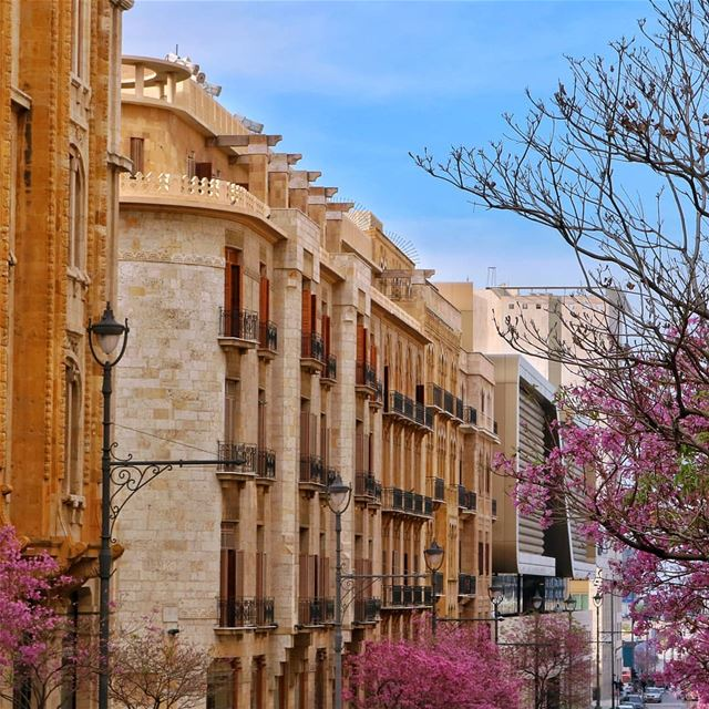 Can you spot the man on the balcony?... (Downtown Beirut)