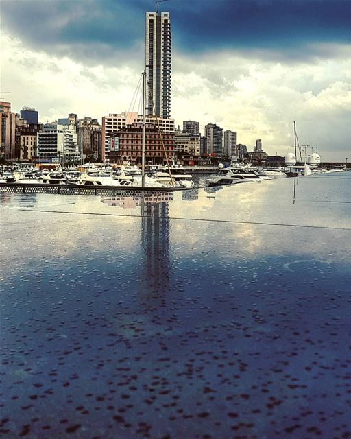 Keep Hanging..🌧🌞🍃... beirut rain may.......... landscape... (Zaitunay Bay)