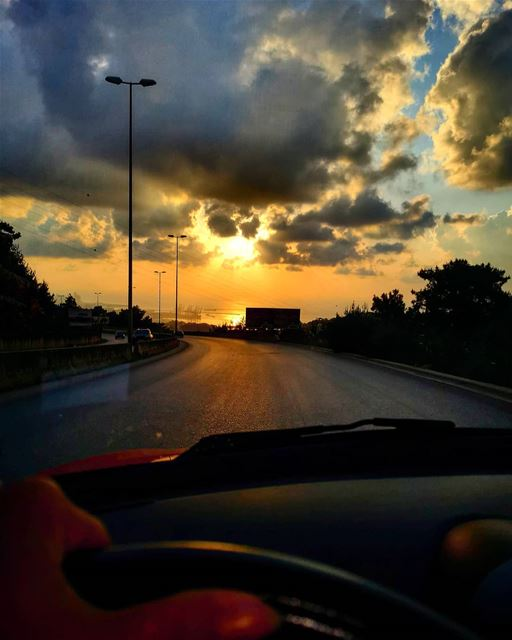 Sometimes the best therapy is a long drive, music and sunset..........
