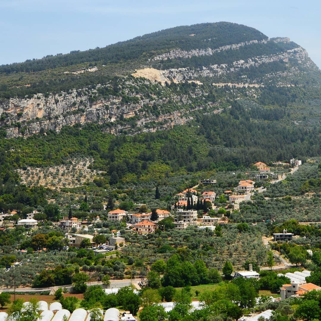 😍😍🇱🇧🇱🇧 mountainsoflebanon village lifeisgood
