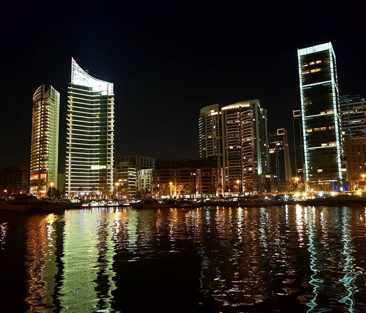 🇱🇧🇱🇧❤❤ view  shadow  nightout  beautifulnight  building  lights ... (Zaitunay Bay)