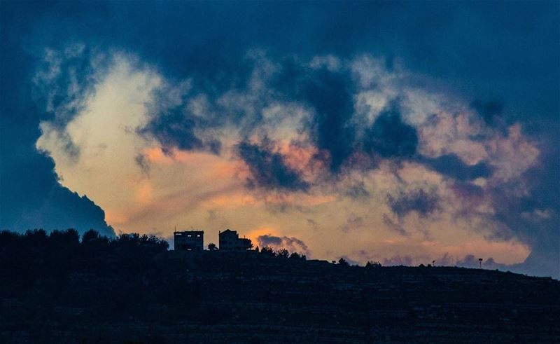 House in the clouds......... house  clouds  abstract  sunset ... (Chouf)