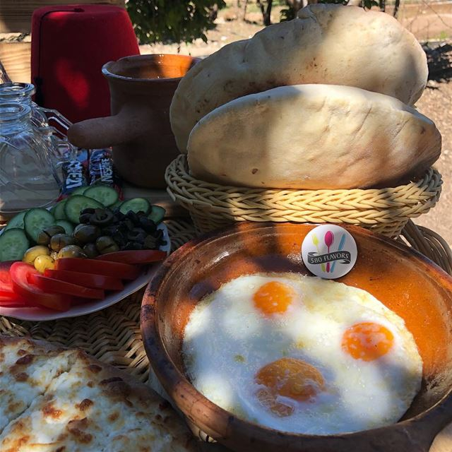 Good morning 😃🌞 whats better than this tasty breakfast 🍳 😍😍 @ejjetsema (Ejjet Semaan, Ehden)