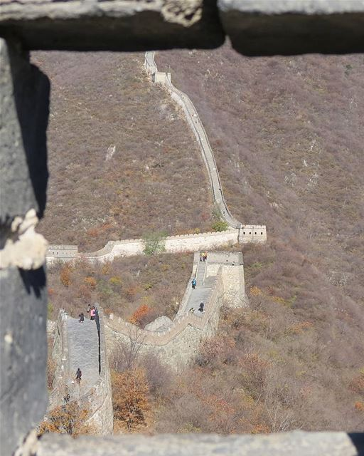 ... I looked out the window, there's only a wall to see 🤔😄------..... (Mutianyu, Great Wall)