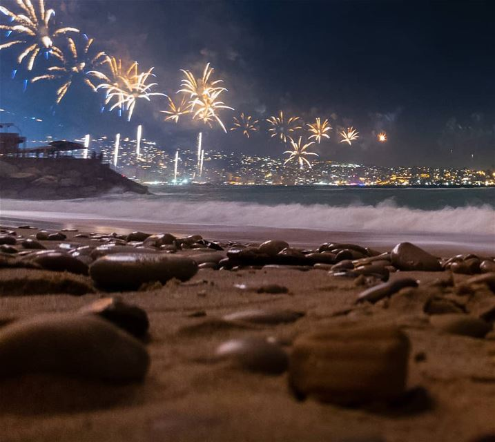 Fireworks on Jounieh's bay last week ... (Jounieh International Festival)
