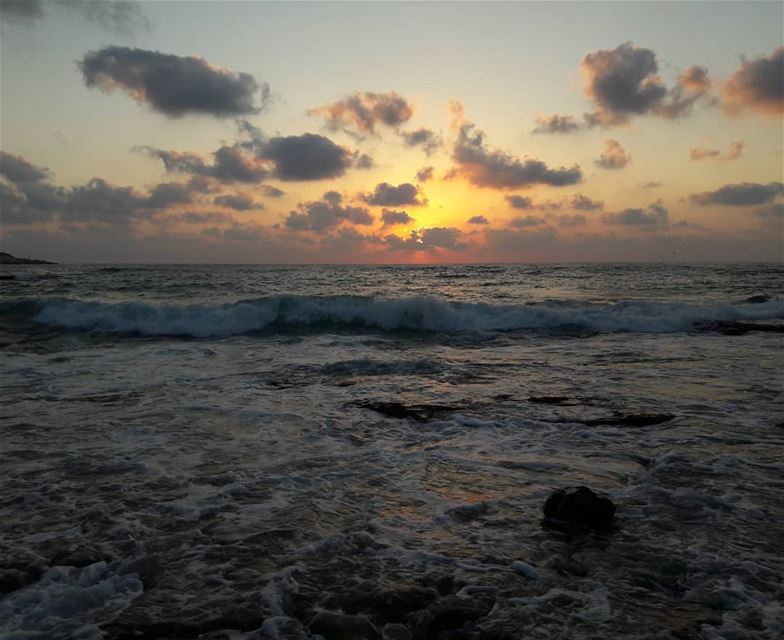 أقصى الجنوب 😊❤ south  lebanon  naqoura  naqourabeach  sunset  lovely ... (Naqoura)