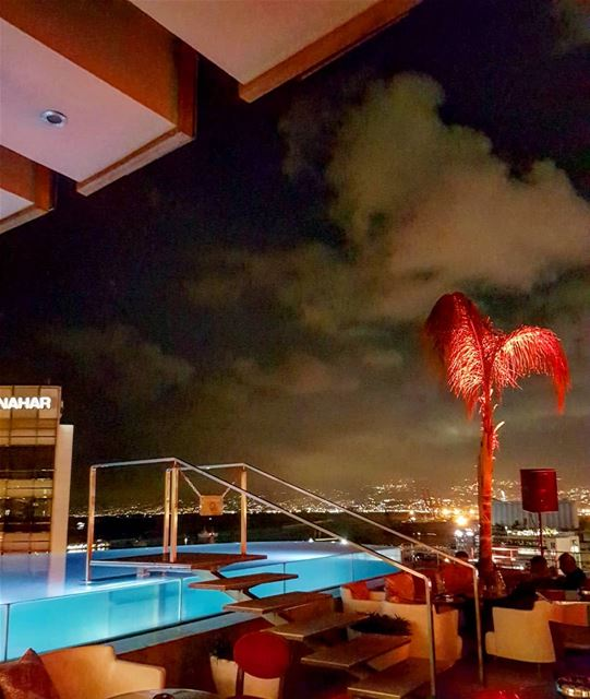 Midnight swim on the rooftop. Welcome to Beirut!.. beirut  legray ... (Le Gray, Beirut)