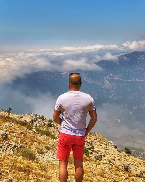 Clouds invasion ☁️ .... clouds  mountains  view  viewfromthetop ... (Lasa, Mont-Liban, Lebanon)