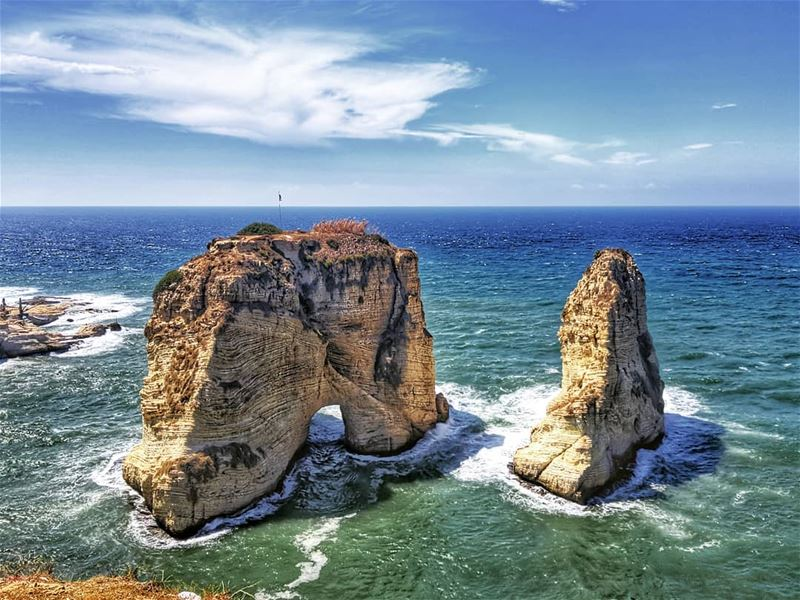 livelovebeirut  livelovelebanon  lebanon  beirut  whatsuplebanon ... (Rouche Rocks)