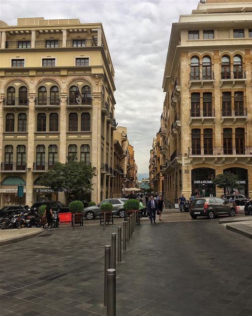 A Paris do Oriente Médio pelas lentes do @peterwenmaken 🇱🇧 The Paris of... (Downtown Beirut)