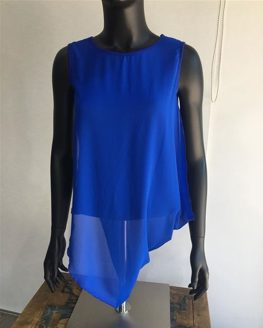 Unusual yet stylish top in deep blue on Sale now!DailySketchLook 412... (Er Râbié, Mont-Liban, Lebanon)