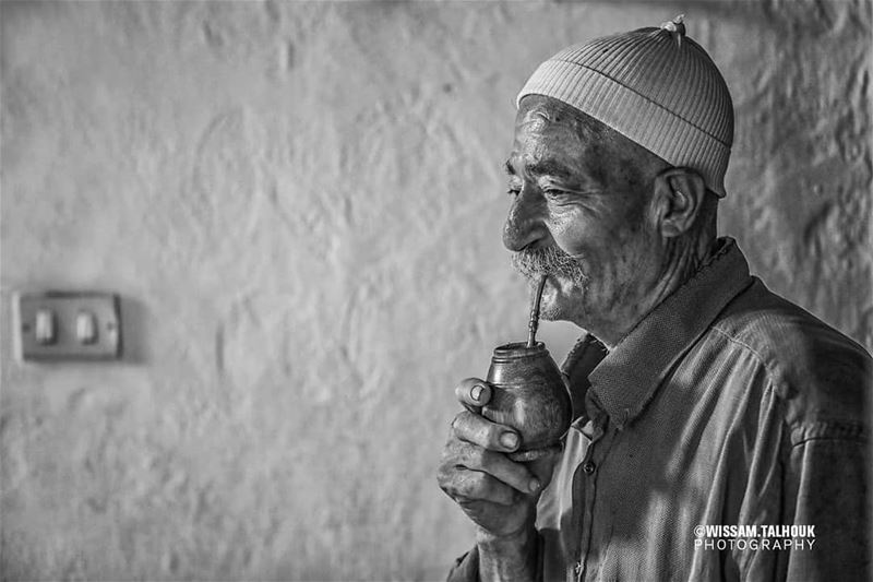 Maté addiction..  maté  drink  man  old  traditional  traditions  photo ... (Bchetfîne, Mont-Liban, Lebanon)