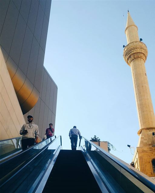 Cinema City Vs. City Mosque ....... cinemacity  beirut  beirutsouks... (Beirut Souks Cinemacity)