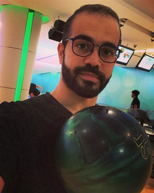 When you are obliged to play bowling 😋 !! 🎳 🇰🇼  bowling  morning ... (Kuwait)