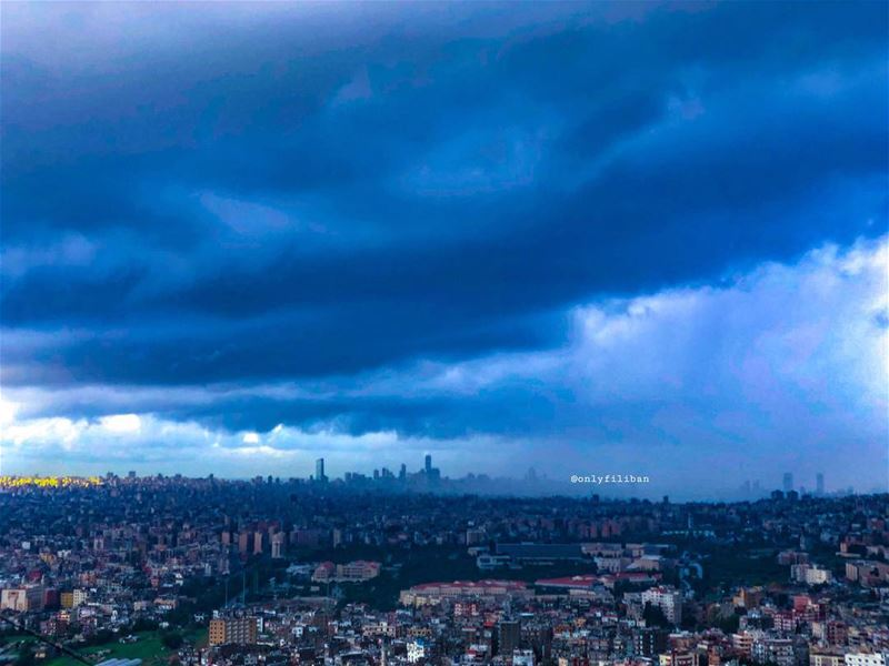 📸 Picture taken and edited by @onlyfiliban🇱🇧🌆🏙☁️🌧🌬... (Beirut, Lebanon)