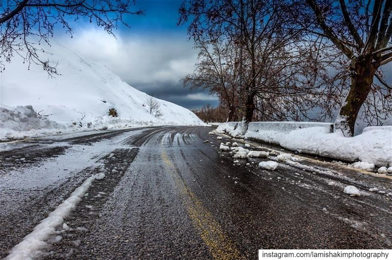 After the storm ⛈ snow  photooftheday  snowing  livelovesawfar ... (Sawfar, Mont-Liban, Lebanon)