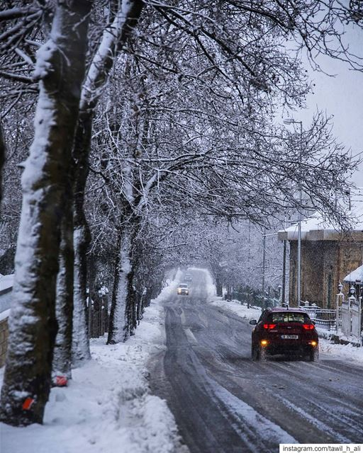 Swipe ««««❄️ snow  storm  beautiful  street  creative  snowday  winter ... (Sawfar, Mont-Liban, Lebanon)