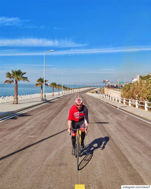 Out on the open road🚴‍♂️... cyclinglife  cyclist  roadbike  cycling ... (Dbayhe)