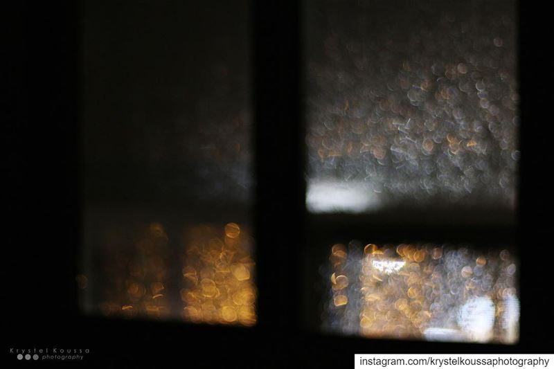 Raindrops/ window/ street... (Lebanon)