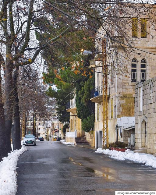 Ehden where each street has a story of beauty & authenticity to tell 😍♥️� (Ehden, Lebanon)