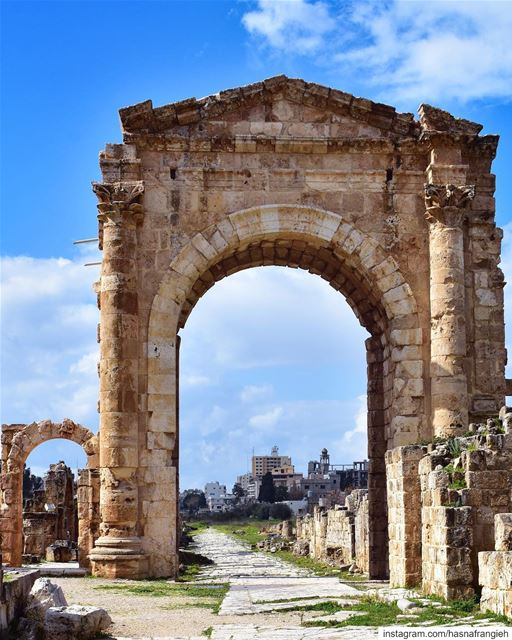 It is not simply a city, it is an awesome museum of art, history &... (مدينة صور - Tyre City)