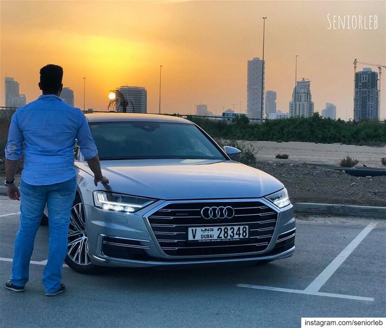 I love sunsets 🌅 with the Audi A8———————————————————————— @seniorleb @audi (Dubai, United Arab Emirates)