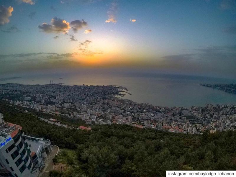 Chasing sunsets 🌅📷 @minagerges1 BeautifulSunsets  BeautifulLebanon ... (Harîssa, Mont-Liban, Lebanon)