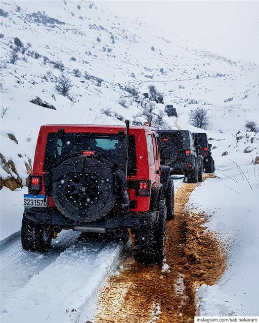 lebanon  jeeps  mountains  jeep  offroad  wrangler  snow  jeeplife ... (Jord el Aaqoûra)