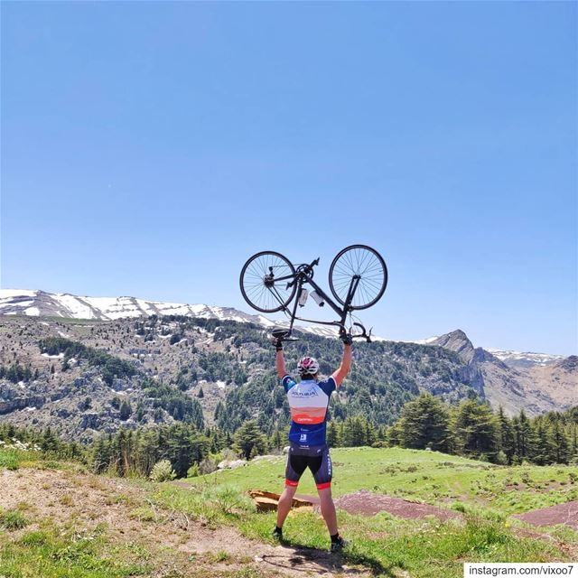Keep your head and your dreams high.... roadbike  cycling ... (Hadath El Jebbeh - Bcharré)