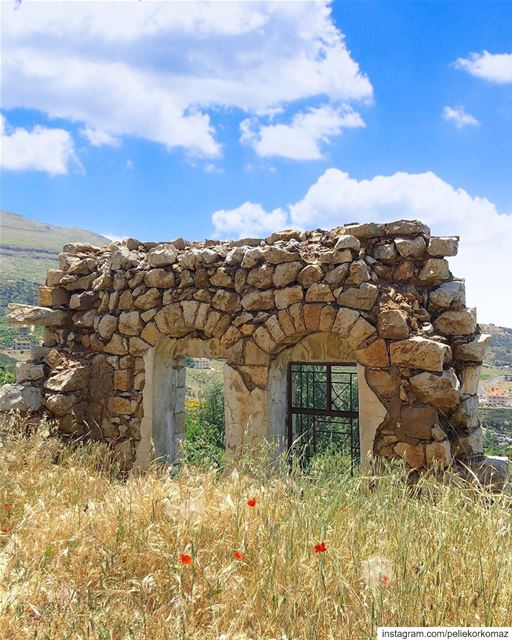 A piece of History 🇱🇧 (Kfarselwan - Mount Lebanon)