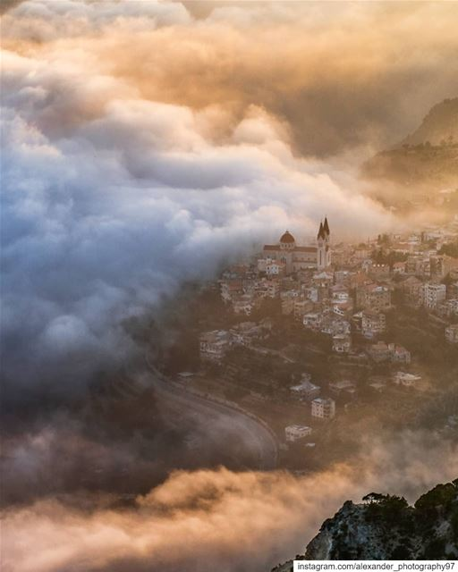 The Magic hour - Beautiful fog and sunset at Bcharré  livelovebcharre... (Bcharreh, Liban-Nord, Lebanon)