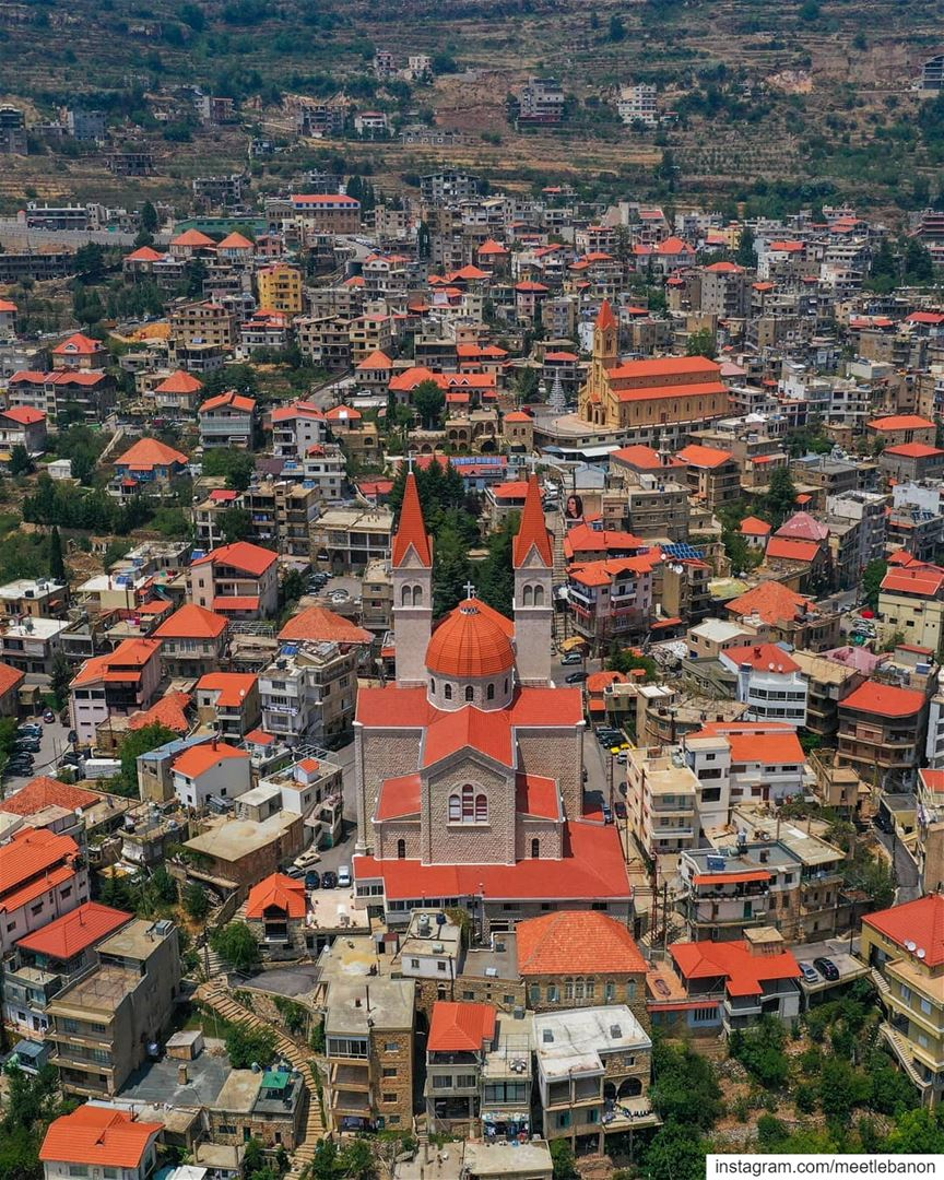 There are beautiful villages in every country 🏞️🏘️🗻 but this... This is... (Bcharré, Liban-Nord, Lebanon)