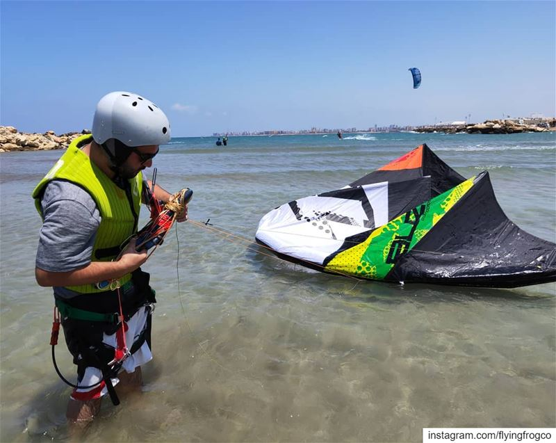 It's windyLearn to kitesurf(In the pic, self rescue training)...... (Tripoli, Lebanon)