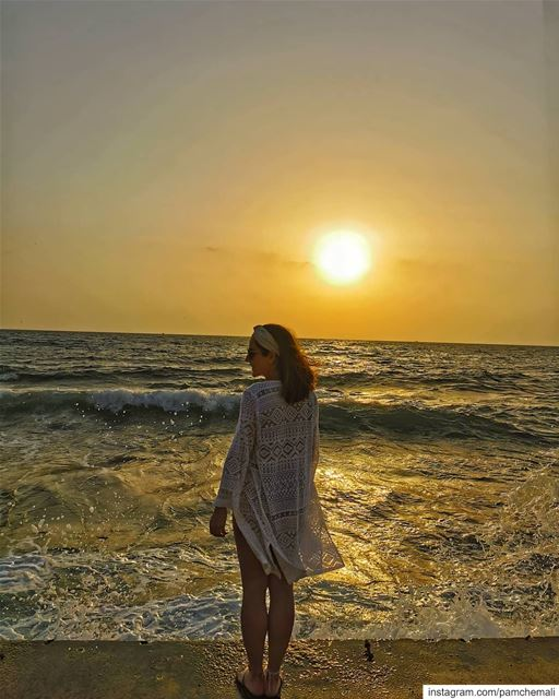 """Be happy in the moment. It's enough.... Each  moment is all we need...... (Kalani Resort)"