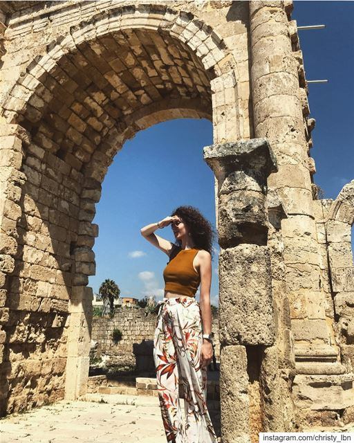Looking for a caption🚶🏻‍♀️@livelove.tyre  ruins ... (Tyre, Lebanon)