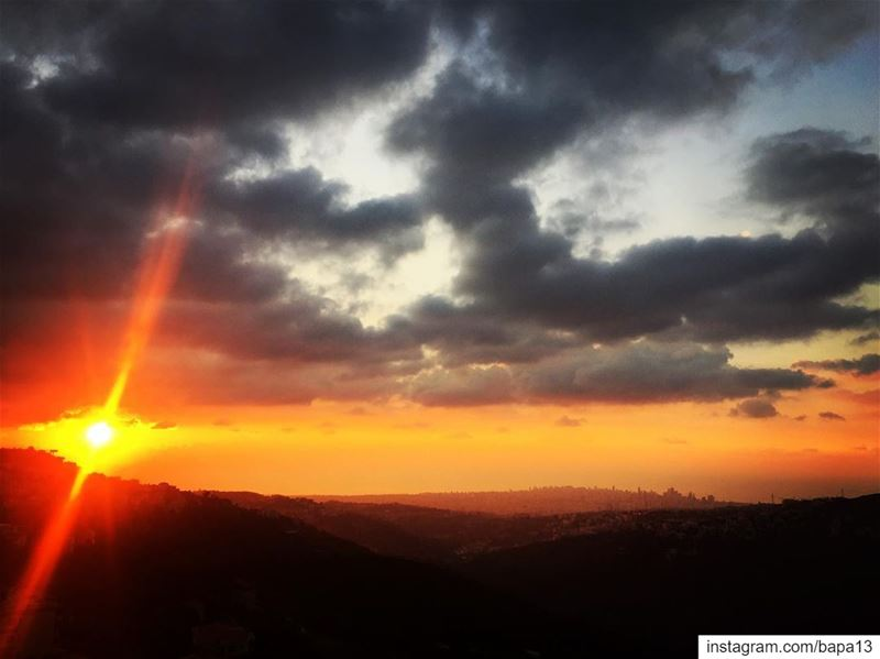 sunset  clouds  sun  sky  sea  ocean  seaview  Mountain  valley  hometown... (Abadiyeh, Mont-Liban, Lebanon)