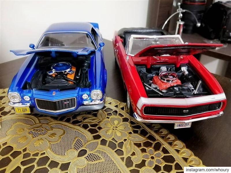 Chevrolet camaro z28 ss coupe convertable blue red v8 diecast collector... (Beirut, Lebanon)