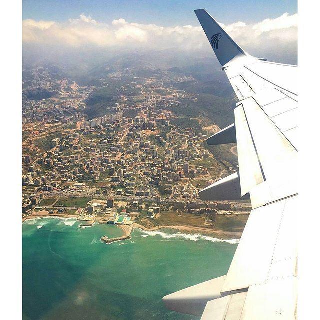 Beirut from above. 🛫 (Beirut, Lebanon)
