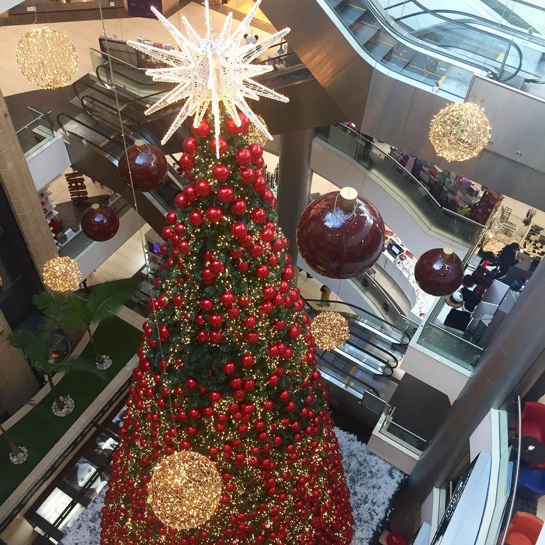 Christmas decorations le mall sin el fil lebanon in a for Decor hotel fil