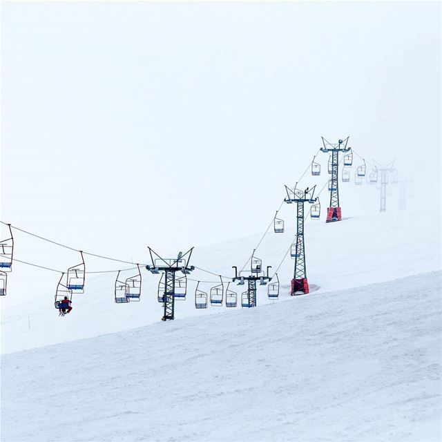 Disappearing  chairlift @ Faqra Club - Lebanon snow  skiing  mountains ... (Faqra Club)