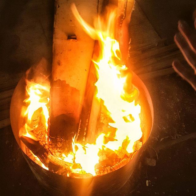 The smell of burnt wood 🔥....... getoutside campfire burnt ...
