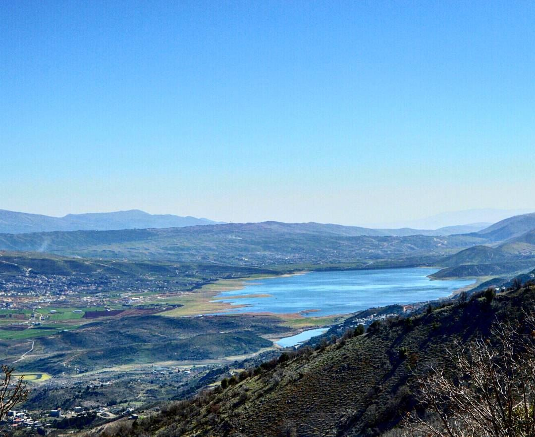 http://www.lebanoninapicture.com/Prv/Images/Pages/Page_79779/qaraoun-lake-taken-frm-the-mountain-of-barouk-b-2-8-2017-9-30-48-am-l.jpg