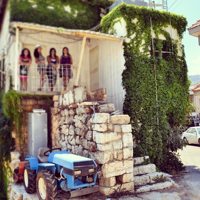 old  house  truck  green  walls  traditional  village  douma  lebanon ...