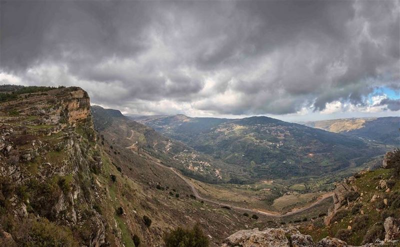 panoramic  view from  above  niha  shouf  reserve  clouds  cave  mountain... (Niha Al Chouf)