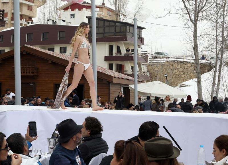 "A model during the ""Ski and fashion 2017"" lingerie fashion show in Faraya. (ANWAR AMRO / AFP) via pow.photos"