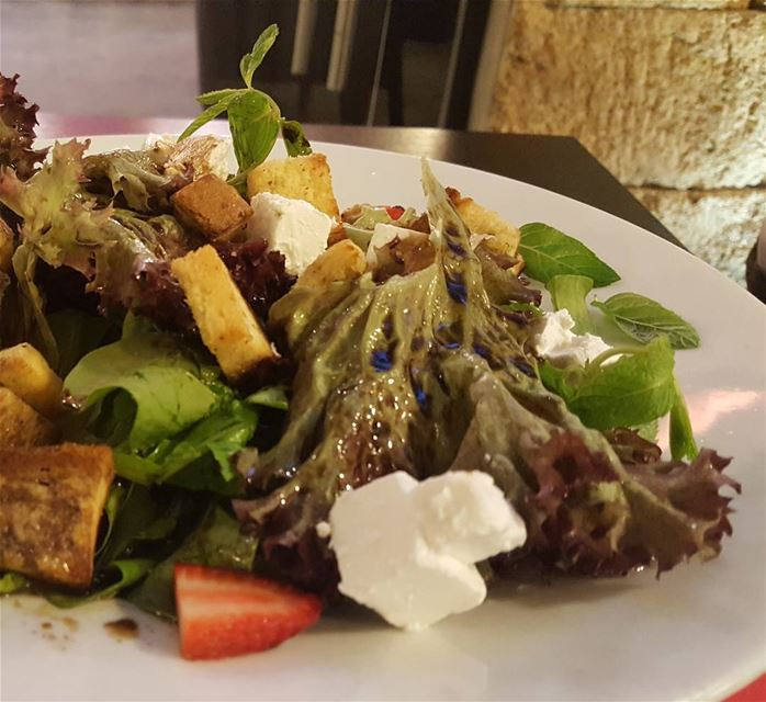 batroun  restaurants  merchak  cafe  foodlover  foodinlebanon  foodies ... (Merchak Cafe- Batroun)
