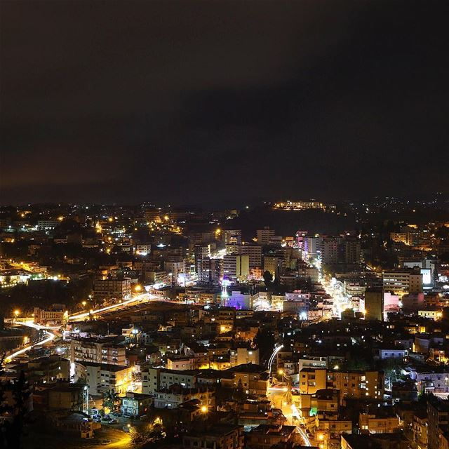 Nabatieh at night ✨🌃  nabatieh livelovenabatiyeh night nightphotography... (Nabatîyé)
